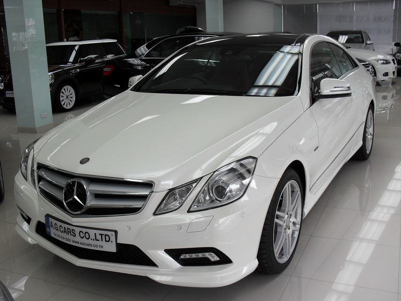 BENZ E250 CGI SPORT COUPE / White