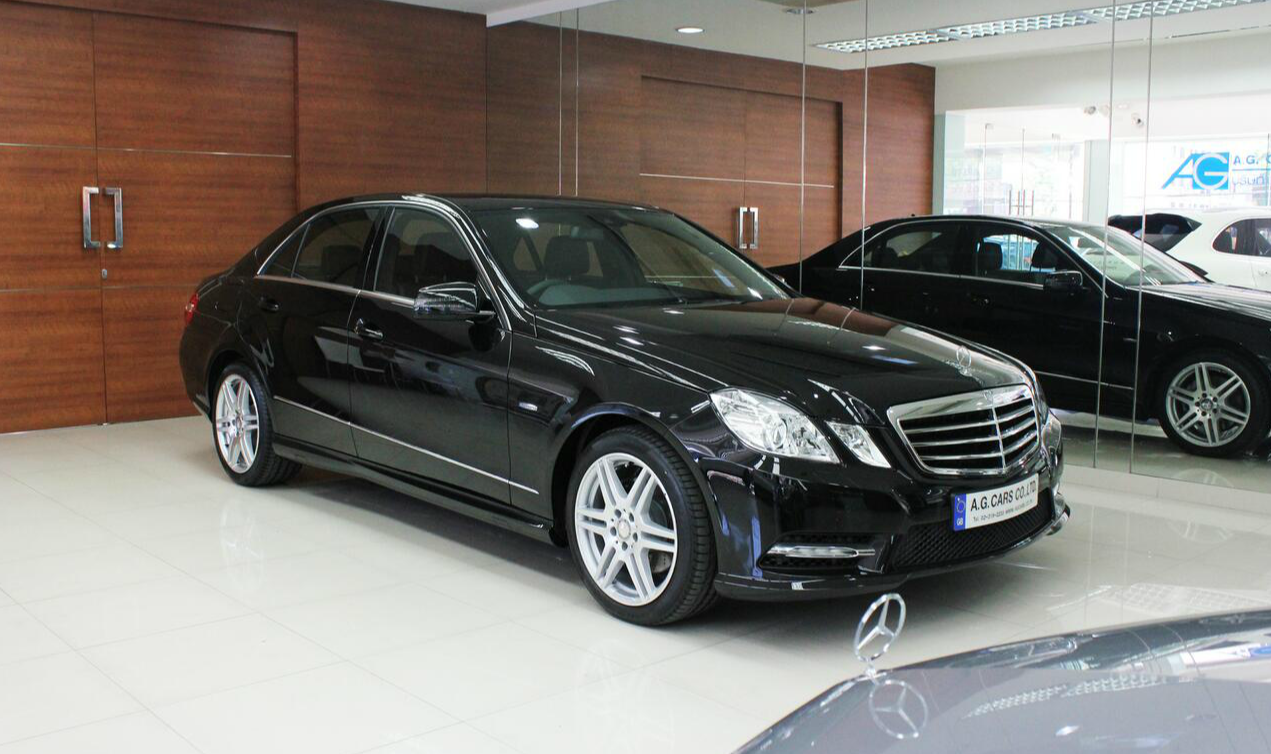E 200 CGI Sport Saloon 7speed