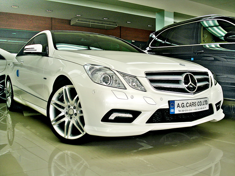 BENZ E 250 CGI COUPE diamond White